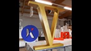 3D-Buchstaben-in-Gold