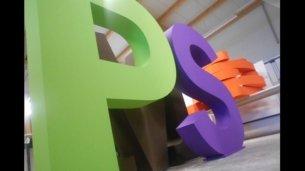 3D-Buchstaben-Hartschaum-Gruen-Lila-Perspektive