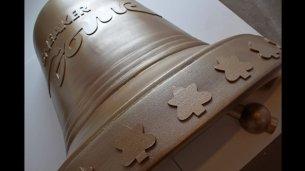 3D-Objekt-Glocke-aus-Styropor-farbig-beschichtet