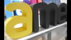 3D-Buchstaben aus Styropor, farbig beschichtet