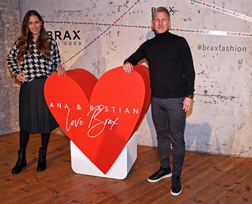 Bastian Schweinsteiger für Brax mit rotem XXL-Herz